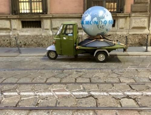 Vandalizzato il globo di Fondazione Veronesi.